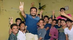 28 Underprivileged Students From Bihar's Super 30 Coaching Institute Clear