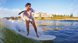 Le surf est bien plus qu'un sport, il peut aussi servir de
