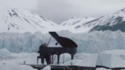 Ce pianiste célèbre joue sur un glacier du cercle Arctique pour nous alerter