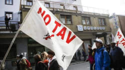 L'appello per Roberta, la studentessa a processo per una tesi sui No