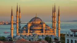 Entre attentats et conflits diplomatiques, les touristes boycottaient déjà la