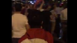 Cori, applausi e bandiere: così molti turchi accolgono i militari ad Ankara e