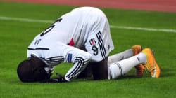 Après son horrible blessure, les messages de soutien se multiplient pour Demba