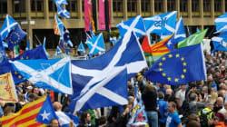Écosse: des milliers de manifestants réclament un nouveau référendum sur