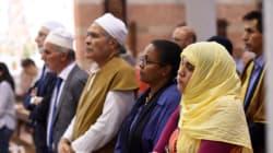 France: les musulmans manifestent leur horreur du