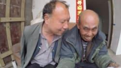 Un aveugle et son ami manchot font équipe pour planter une forêt