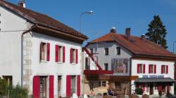 スイスとフランス、2つの国に同時に泊まれるホテルがあります