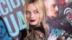 Margot Robbie porte une robe magique à la première de Suicide