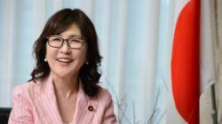 稲田朋美・新防衛相は「網タイツの女王」