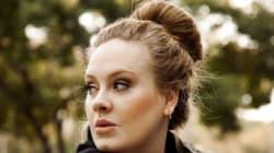 Anche le star rimangono senza soldi: Adele fa shopping da H&M ma non le basta il
