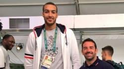 Quand un rugbyman et un joueur de basket posent ensemble, ça donne