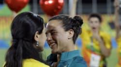 Elle demande sa petite amie rugbywoman en mariage aux Jeux