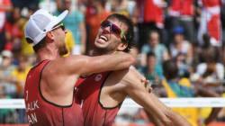 Le duo canadien de volleyball de plage vient à bout des