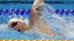 Canadians Give Ryan Cochrane Big Group Hug After Olympic