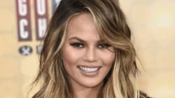 Chrissy Teigen Jokes About Her Mom Stretch Marks On