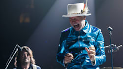 Canadians Cried With Gord Downie That Moment He Fought Tears