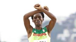 Feyisa Lilesa, il maratoneta etiope col messaggio politico più veloce di
