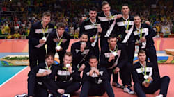 L'Italvolley dona il premio per le Olimpiadi alle popolazioni colpite dal