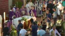 Drapeaux en berne, messe de funérailles... l'Italie rend hommage à ses