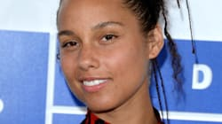 Alicia Keys Goes Makeup Free Once Again, This Time At The