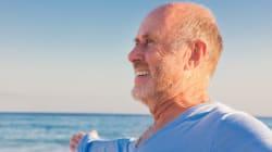 Invecchiare rende più felici: lo assicura la