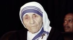 En canonisant Mère Teresa, le pape proclame une sainte aux parts d'ombre