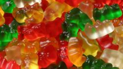 Una volta che avrete visto come sono fatte le caramelle di gomma, non le mangerete