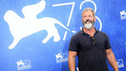 Mel Gibson a Venezia promuove la non-violenza. Con fiumi di