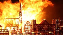Fuoco e fiamme sul Tamigi: Londra mette in scena il grande incendio che la distrusse nel