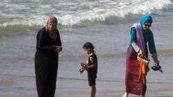 Le burkini, la dignité humaine et Philippe