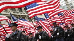 Une cérémonie en hommage aux pompiers tués le 11 septembre