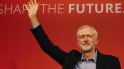 Corbyn resta leader dei