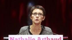 Nathalie Arthaud (LO) attaque Jean-Luc Mélenchon,