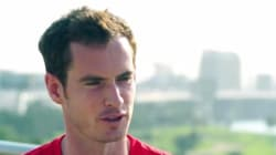 Andy Murray harcelé par une femme de chambre à travers