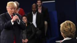 Dans la tourmente, Trump attaque Clinton sur son