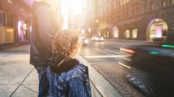 Com que idade as crianças podem andar sozinhas pela