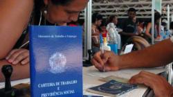 Crise profunda: Falta emprego para 22,7 milhões de brasileiros, aponta