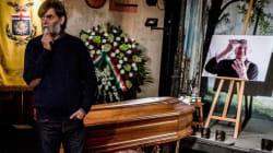 Artisti, fan, politici, tutti in fila per l'omaggio a Dario Fo (VIDEO,