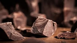 Mangiare ogni giorno cioccolato fondente fa bene. Anche alla
