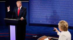 Clinton accuse Trump d'être la «marionnette» de