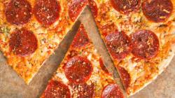 50mila dollari per mangiare pizza, guardare partite e viaggiare? Pizza Hut fa per