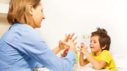 Le langage stéréotypé et répétitif des autistes: un mode d'apprentissage
