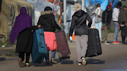 A Calais comincia lo sgombero della