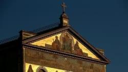 Paura a Roma: gente in strada, metro chiusa, crepe nella Basilica di San