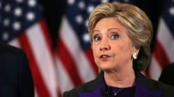 Clinton accuse le chef du FBI d'avoir porté un coup à sa