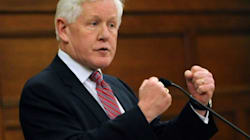 Rae: Harper Would Break Promise With OAS