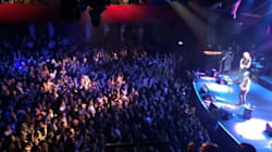 Les images du public de retour au Bataclan pour le concert de