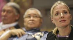 Caribou forestier: la ministre McKenna poursuivie par des