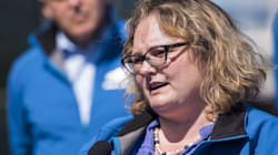 Rural Albertans Boo Ministers Over Climate Change