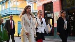 Sophie Grégoire à Cuba rend hommage aux créateurs canadiens en blanc et